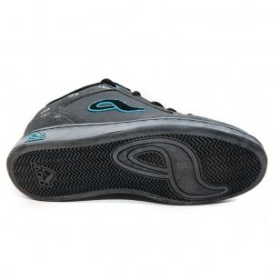 Adio Hamilton vaikiški batai